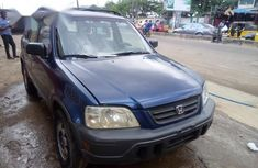 Need to sell cheap used blue 2002 Honda CR-V automatic in Ikeja
