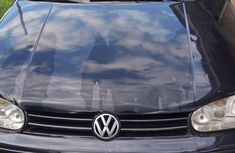 Need to sell cheap used black 2004 Volkswagen Golf automatic in Ibadan