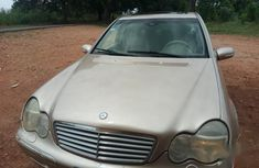 Clean and neat used brown 2001 Mercedes-Benz C320 automatic in Ikeja at cheap price