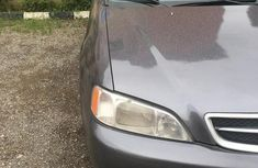 Selling grey 2004 Acura TL sedan in good condition