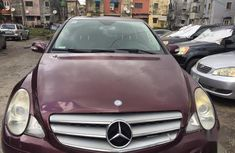 Sell very cheap clean red 2006 Mercedes-Benz R-Class in Lagos