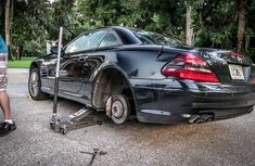 Changing tire on Mercedes-Benz cars: What you must know