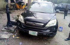Sell well kept 2009 Honda CR-V automatic in Lagos