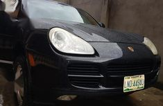 Selling black 2004 Porsche Cayenne automatic