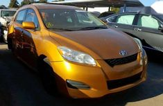Sell cheap yellow 2009 Toyota Matrix automatic at mileage 120