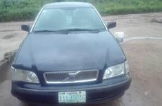 Sell high quality 2002 Volvo S40 manual at mileage 125,000