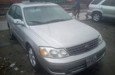 Silver Foreign Used Toyota Avalon 2003 for Sale in LAgos