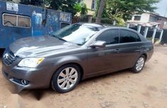 Selling 2008 Toyota Avalon automatic at price ₦2,500,000