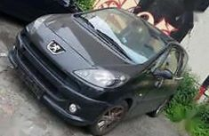 Need to sell used 2006 Peugeot 1007 in Lagos at cheap price