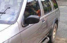 Need to sell cheap used 2001 Nissan Pathfinder suv in Lagos