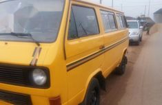 Best priced yellow 1988 Volkswagen Commercial manual in Lagos