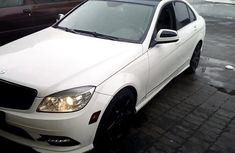Sell cheap white 2009 Mercedes-Benz C300 automatic
