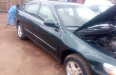 Need to sell green 2000 Honda Accord at price ₦450,000