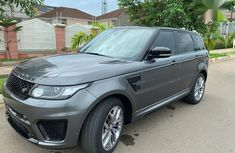 Need to sell super clean grey/silver 2015 Rover Land