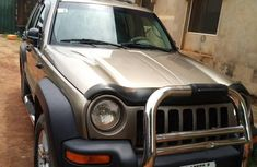 Sell well kept 2004 Jeep Liberty at mileage 118,347 in Lagos