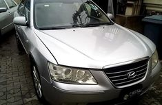 Need to sell 2008 Hyundai Sonata automatic in good condition in Lagos