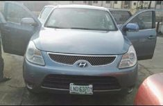 Sell well kept blue 2008 Hyundai Veracruz automatic at price ₦2,750,000