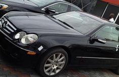 Sparkling 2006 Mercedes-Benz CLK automatic in good condition at price ₦2,900,000