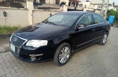 Selling 2008 Volkswagen Passat automatic at mileage 18