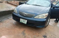 Sell blue 2004 Toyota Camry in Ikeja at cheap price