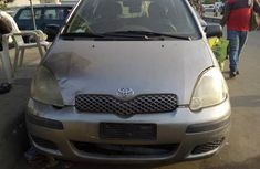 Very sharp neat used 2004 Toyota Yaris manual for sale in Lagos
