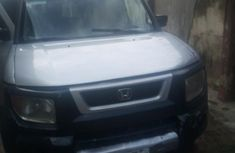 Selling grey/silver 2004 Honda Element automatic in good condition in Ikeja