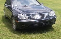 Black 2006 Mercedes-Benz C280 automatic for sale in Ibadan
