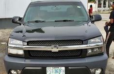 Sell well kept 2003 Chevrolet Avalanche automatic in Lagos