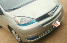 Sell 2004 Toyota Sienna at price ₦1,200,000 in Suleja