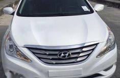 Hyundai Sonata 2011 White color for sale