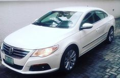 Sell white 2009 Volkswagen CC automatic at price ₦2,850,000