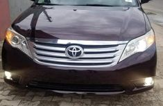 Well maintained brown 2010 Toyota Avalon for sale at price ₦2,800,000 in Abuja