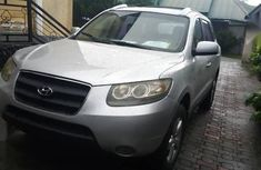 Selling grey 2008 Hyundai Santa Fe manual at mileage 137,560
