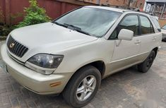 Sell white 2001 Lexus RX suv at mileage 122 in Lagos