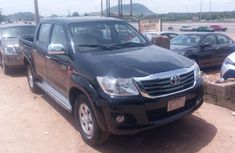 Sell used 2013 Toyota Hilux pickup / truck automatic