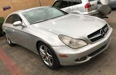 Clean 2007 Mercedes-Benz CLS sedan automatic for sale in Abuja