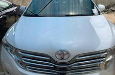 Sell white 2012 Toyota Venza automatic in Ibadan