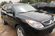 Sell well kept 2010 Hyundai Veracruz automatic in Abuja