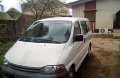 Sell well kept 2006 Toyota HiAce at mileage 67,000 in Lagos