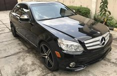 Need to sell high quality black 2008 Mercedes-Benz C350 automatic in Lagos