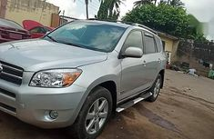 Best priced used 2006 Toyota RAV4 automatic in Ikeja