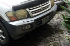 Sell white 2002 Mitsubishi Montero automatic at mileage 144,444