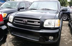 Sell well kept black 2004 Toyota Sequoia automatic