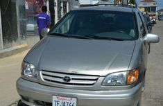 Sell high quality 2003 Toyota Sienna automatic at price ₦1,700,000
