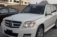Very sharp neat white 2010 Mercedes-Benz GLK-Class for sale in Abuja