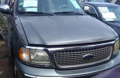 Well maintained grey 2000 Ford Expedition automatic for sale