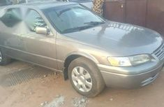 Used gold 2000 Toyota Camry sedan at mileage 102,351 for sale