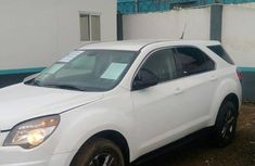 Need to sell high quality white 2011 Chevrolet Equinox automatic in Lagos