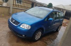Selling blue 2006 Volkswagen Touran manual