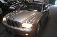 Selling 2003 Mercedes-Benz E240 at mileage 105,000 in good condition in Lagos